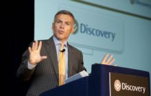 Discovery prepares to move into the banking sector