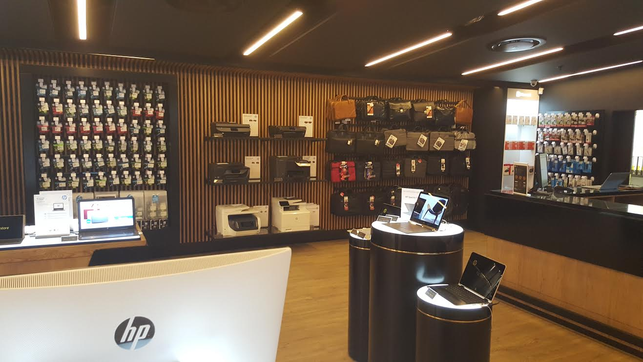 HP Launches their new branded computer & accessory stores ...